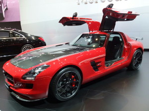 Mercedes-Benz,_SLS_AMG_GT_FINAL_EDITION,_Front_perspective_view,_at_TMS2013